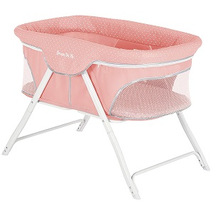 7. Dream On Me Traveler Portable Bassinet 3